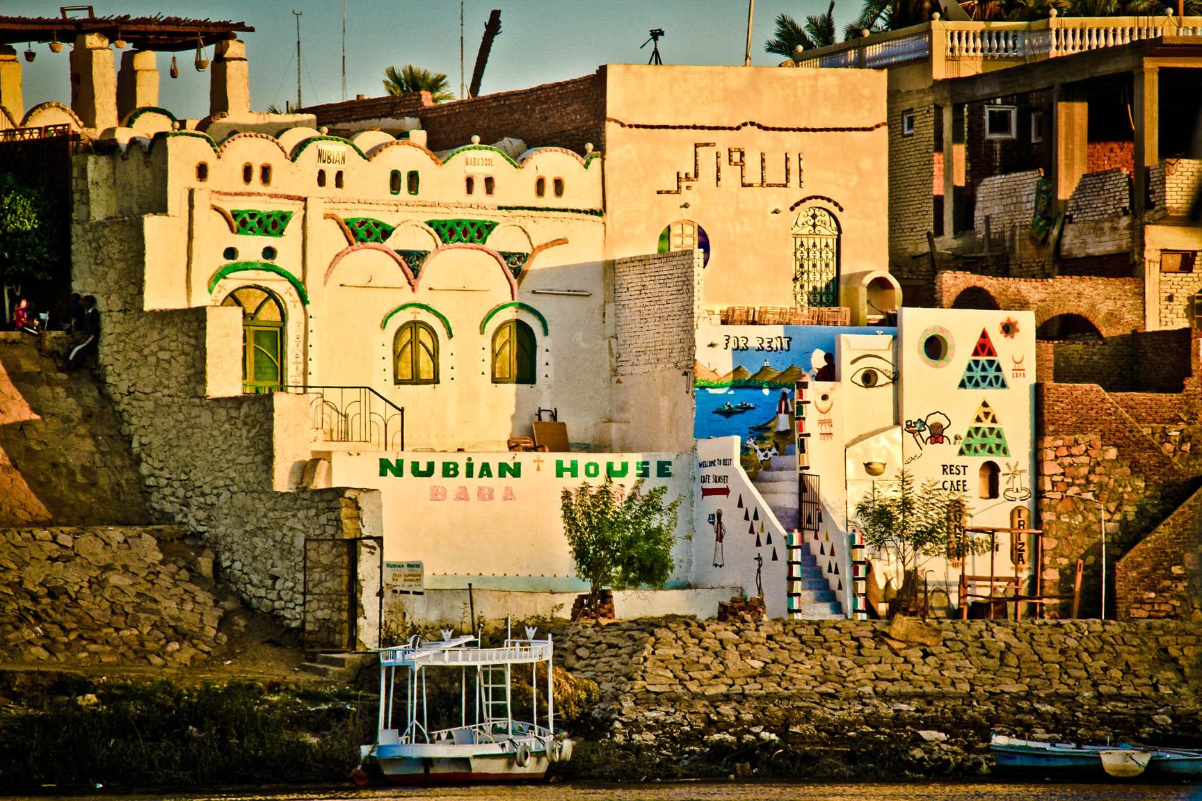 Pueblo nubio a orillas del Nilo