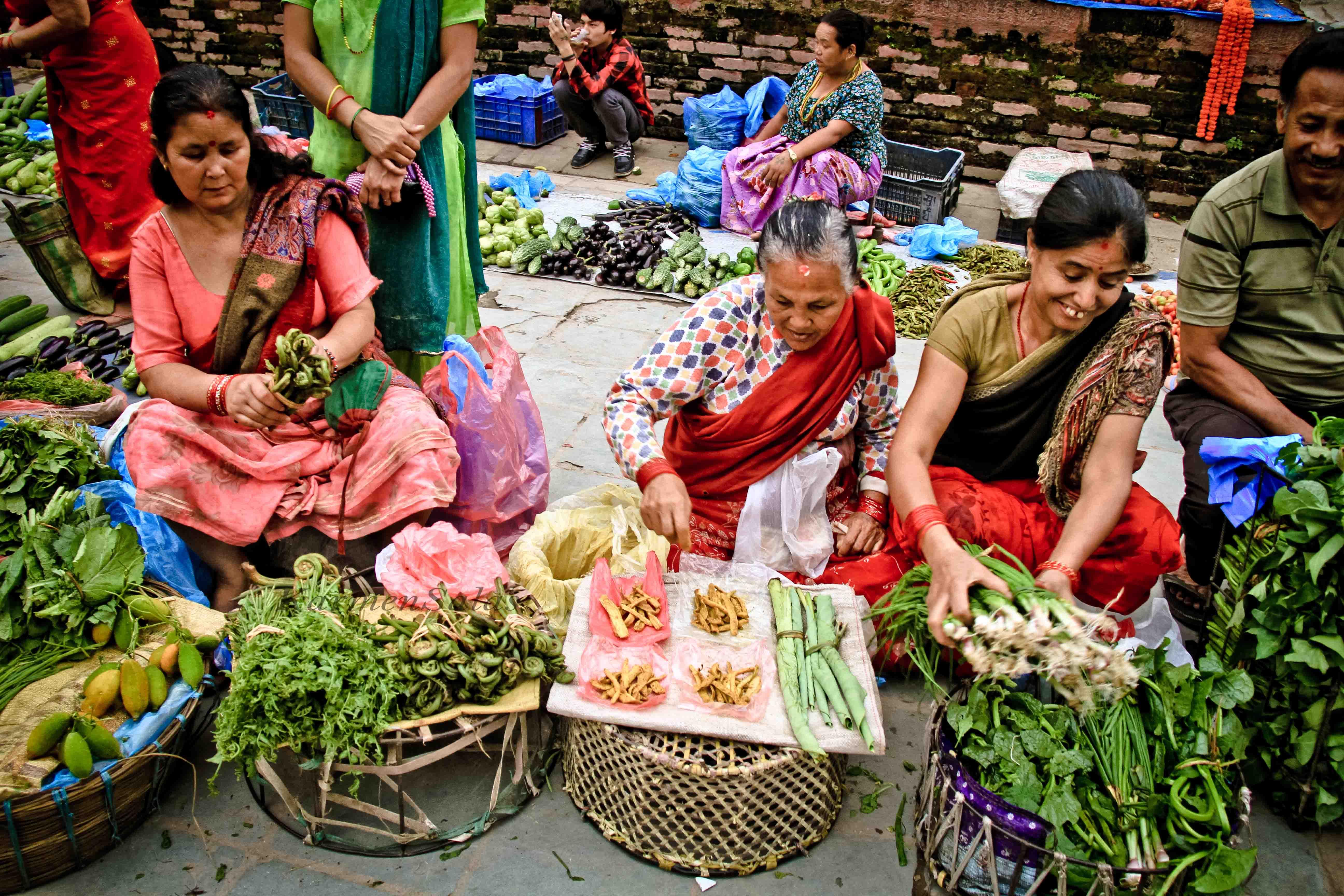 Mercado de verduras en Dubar Square, Katmandú